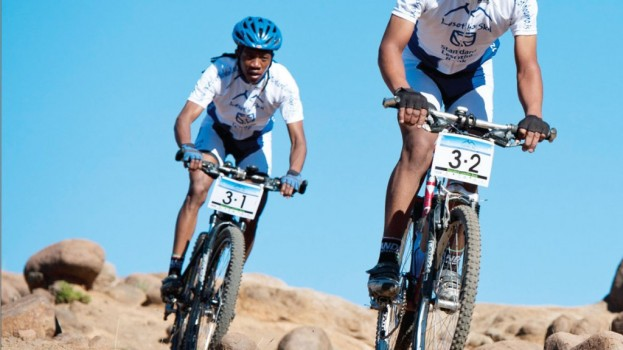 Cyclists in Mauritius tourney