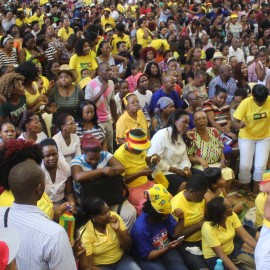 NUL Students & ABC Supporters sing and make Party slogan on Tuesday at NUL Campas during PM political d (4)