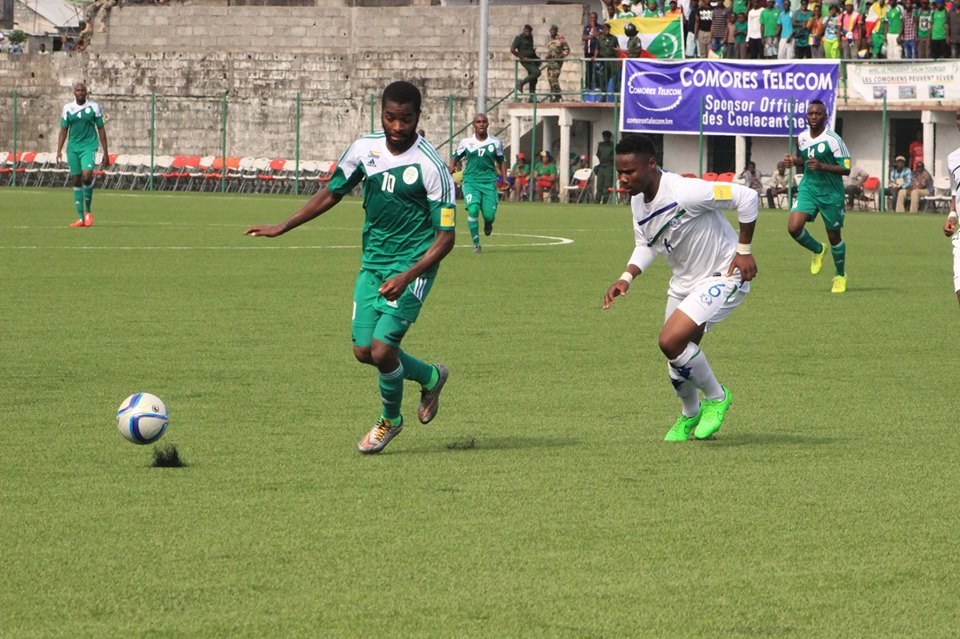 Likuena defender, Thapelo Mokhehle keeping a close eye on a Comoros striker during the World Cup Qualifier played yesterday