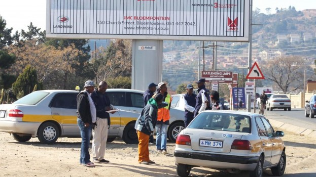 Police impound unregistered taxis
