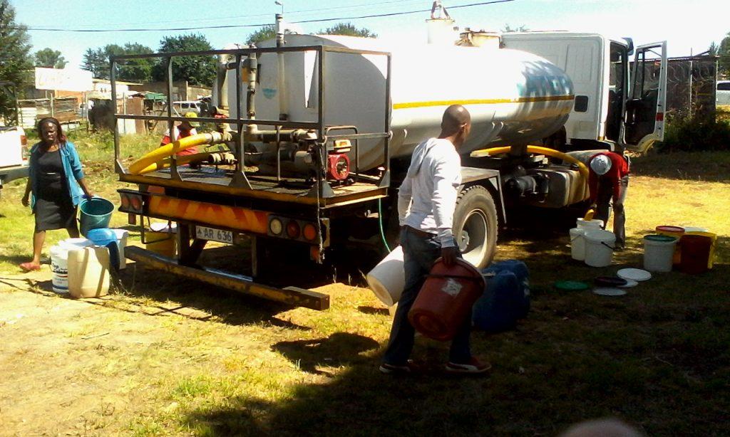 Hlotse residents ambushes a WASCO tanker supplying clean water to Motebang Hospital